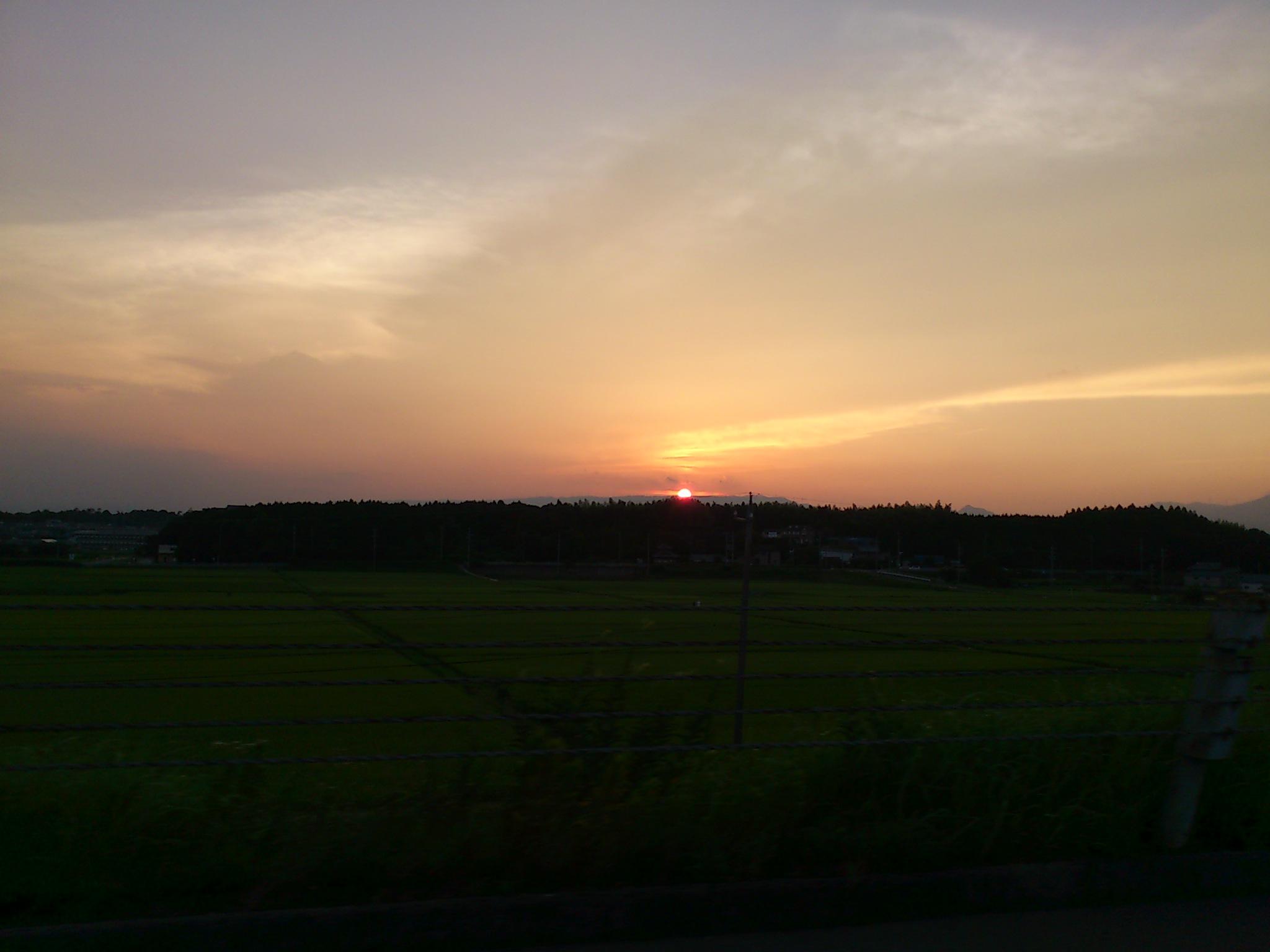 夏土用最後の日没。美杉村保養キャンプからの道は千葉〜いわきへ。明後日から海旅キャンプです。