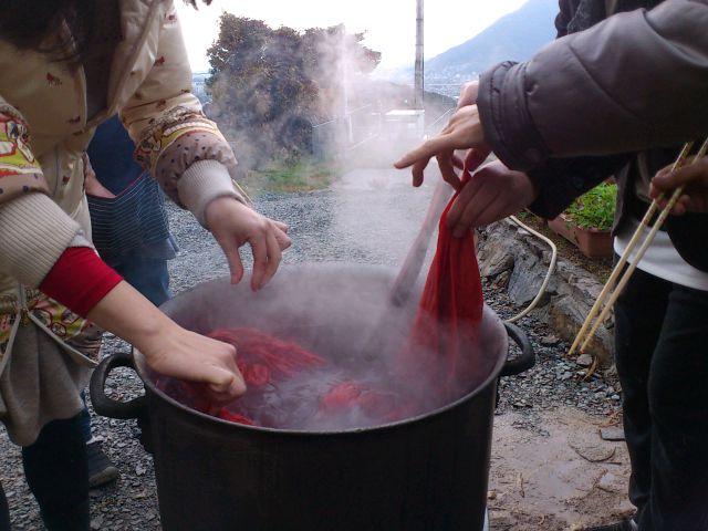 @北九州。山崎ファームで茜染め&これからの衣食住を語らう座談会。直火はやはり気持ちいいす◎