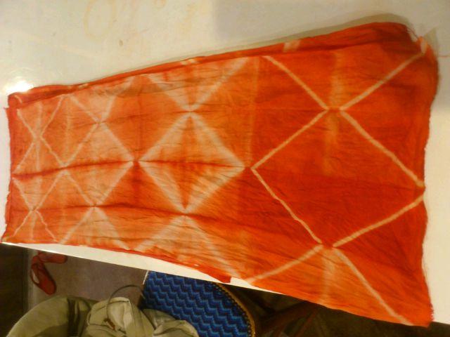 17日の染め会@名古屋の準備を兼ねた染め実験。幾何学模様を開拓中。17日は幾何学刺繍もアリです◎